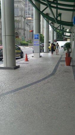 Hotel ibis Rio de Janeiro Centro : area externa do hotel