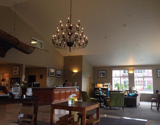 Best Western Wesley Inn & Suites: Spacious lobby