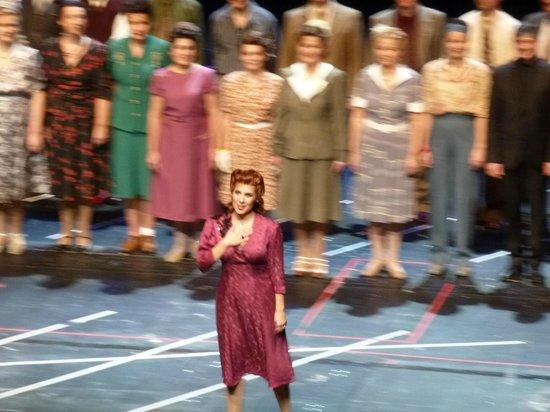 Finnish National Opera (Suomen Kansallisooppera): великолепная Jessica Rivera в роли Kitty Oppenheimer