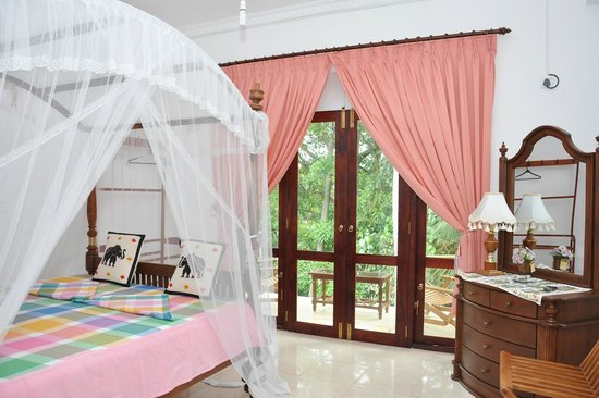 Ganthera Residence: Bed room