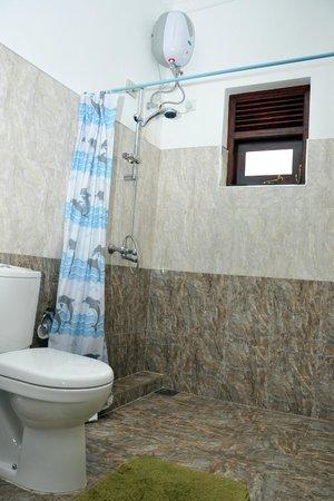 Ganthera Residence: Barthroom