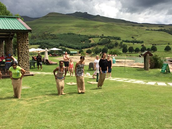 Bushmans Nek Berg & Trout Resort: Fun & Games