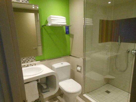 Garden Court Sandton City: Nice Bathroom