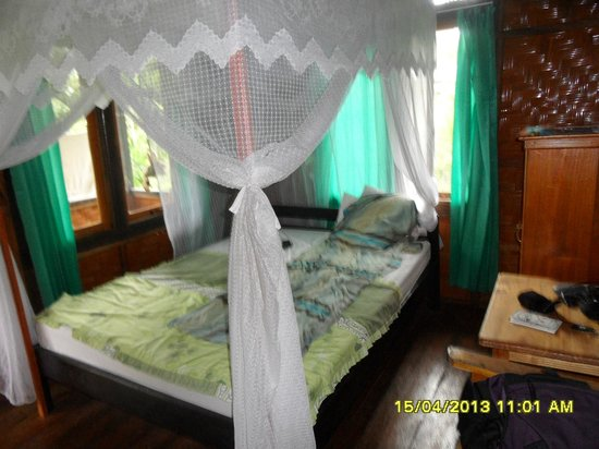 Bunaken SeaGarden Resort: simple but good and clean  bungalow you don't need more