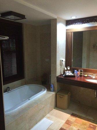 Rama Beach Resort and Villas: good location