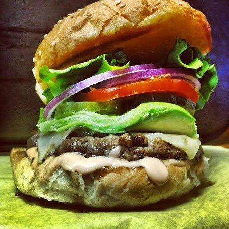 Sylvester's Burgers: California Burger