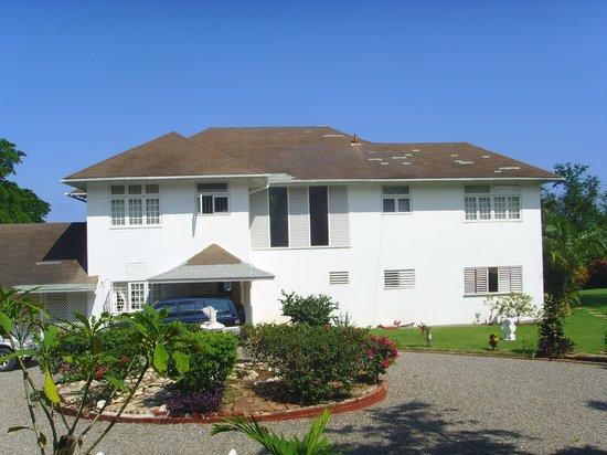 Garden House Jamaica : The Main House