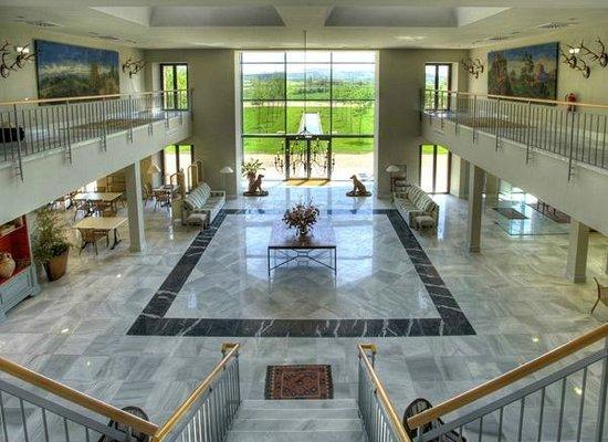 Hotel Villa Marcilla: VISTAS DEL HALL DEL HOTEL