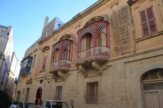 Mdina Old City: Edificio caracteristico