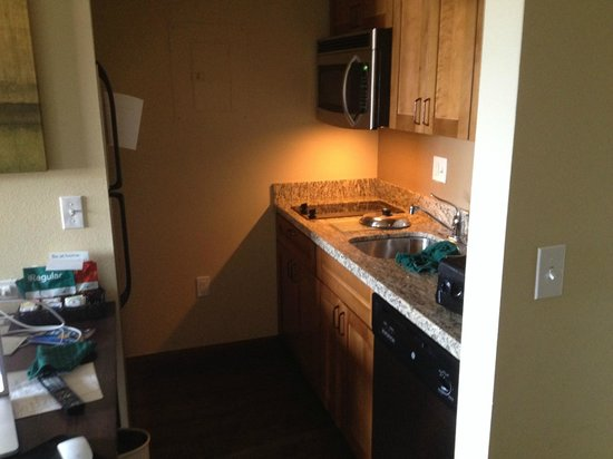 Homewood Suites by Hilton Durango: Awesome, equipped kitchenette!