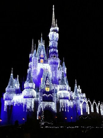 Walt Disney World: The castle decorated for Christmas
