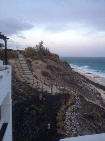 TUI MAGIC LIFE Fuerteventura: steep steps down to beach area