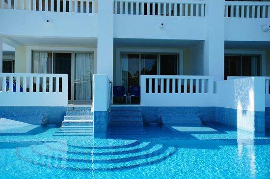 Grand Riviera Princess All Suites Resort Spa Pool Acces