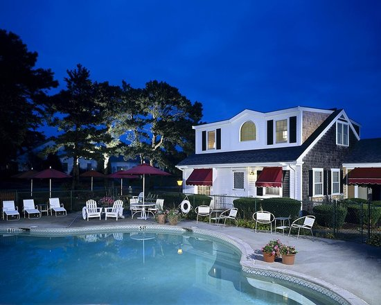 Wellfleet Motel: Outdoor Pool