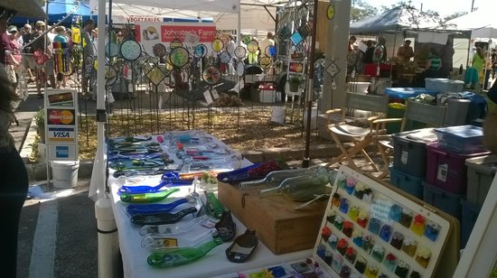 Hilton St Petersburg Bayfront: Arts and crafts at the Saturday Farmers Market