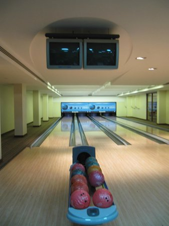Crowne Plaza Sohar: The bowling alley