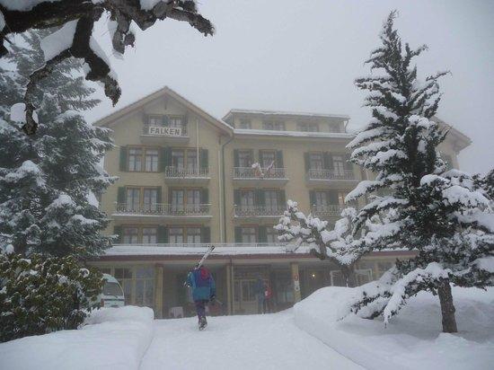 Hotel Falken Wengen : Hôtel en hiver