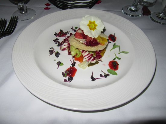 Crowne Plaza Sohar: Radicchio, roasted peppers etc (Veggie Starter)