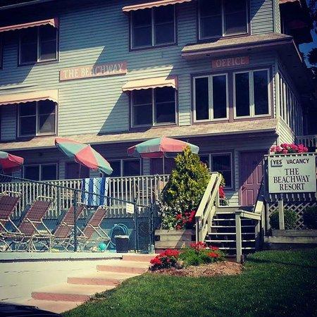 Beachway Resort: The Beachway