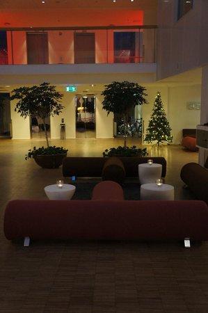 Comfort Hotel Trondheim : Sitting area in lobby