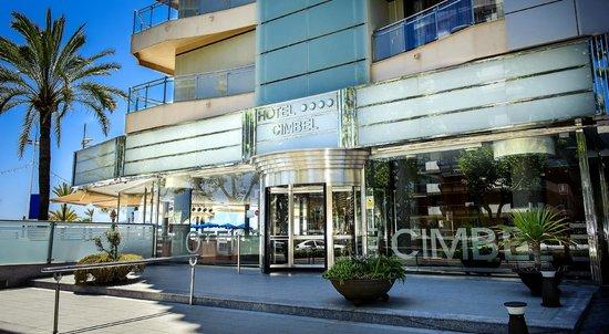 Hotel Cimbel: ENTRADA AL HALL