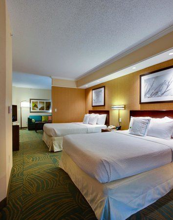 SpringHill Suites Savannah I-95 South: 2 Queen Studio Suite