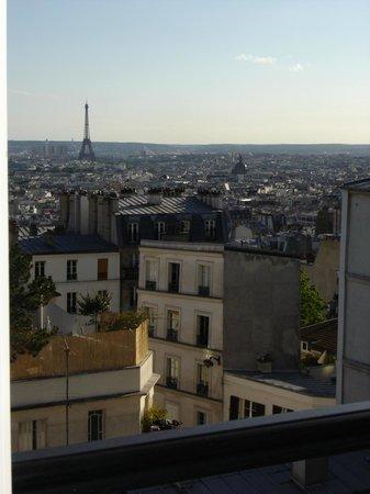 Une Chambre a Montmartre: Vue de la Chambre à Montmartre