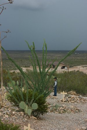 Boothilll Graveyard : Exploring Boothill