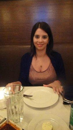 Baires Grill Argentinean Resto: mi mujer y algo mas de baires grill