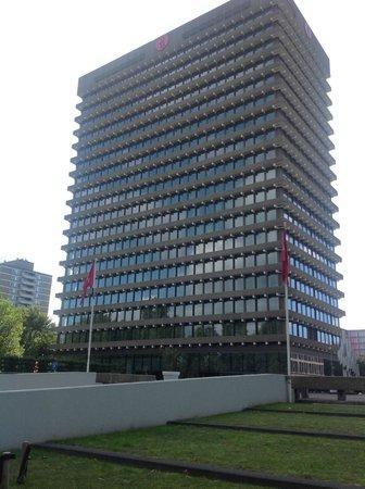 Ramada Apollo Amsterdam Centre: Frente del hotel