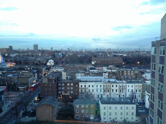 Ibis London Earls Court : View of the city in the distance - 12th floor
