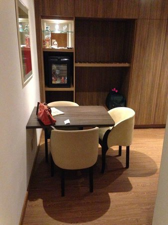 Premier Copacabana Hotel : Sala de entrada do apartamento