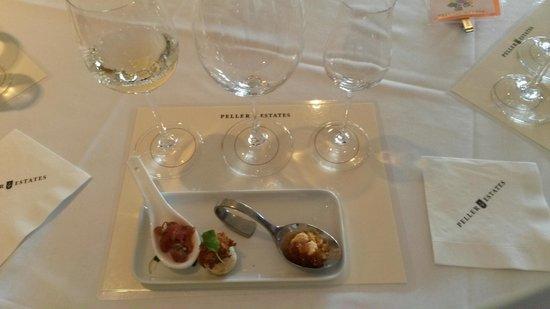 Peller Estates Winery Restaurant : Degustação - harmonização de vinhos com canapés.