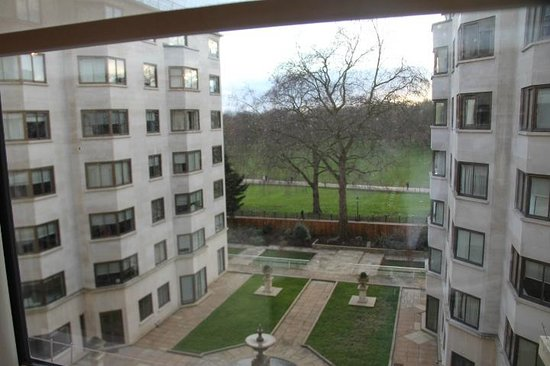 Arlington House : vista da janela da sala