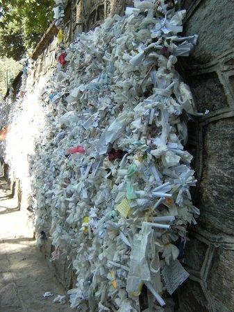 Meryemana (The Virgin Mary's House): Pray wall2