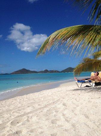 Cocobay Resort: beach