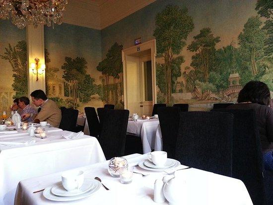 Hotel De Tuilerieen : Breakfast Room