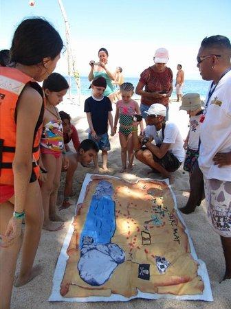 Pirate Ship Vallarta : Kid's treasure hunt.