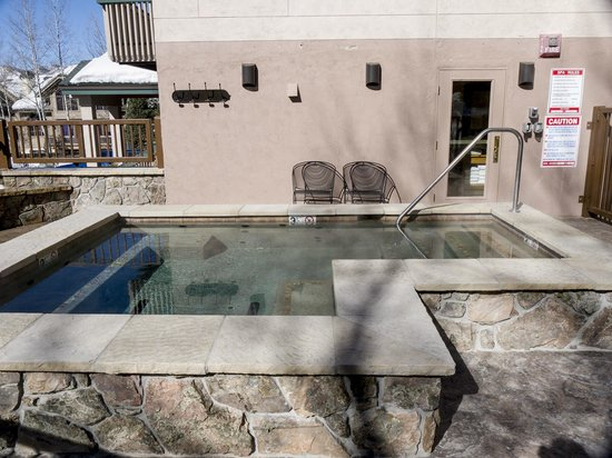 Ptarmigan House : Outdoor Hot Tub