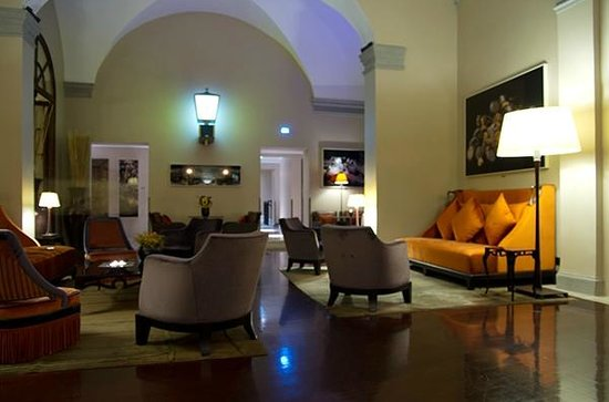 Hotel L'Orologio : hotel lobby and sitting area