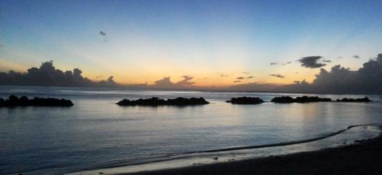 Sands Suites Resort & Spa: Tramonto dalla Spiaggia 7
