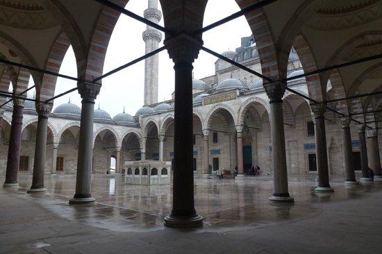 Süleymaniye-Moschee: Exterior view