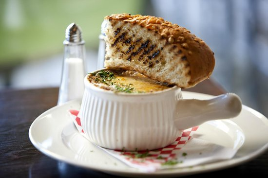Rhodos Coffee & Bistro : French Onion Soup