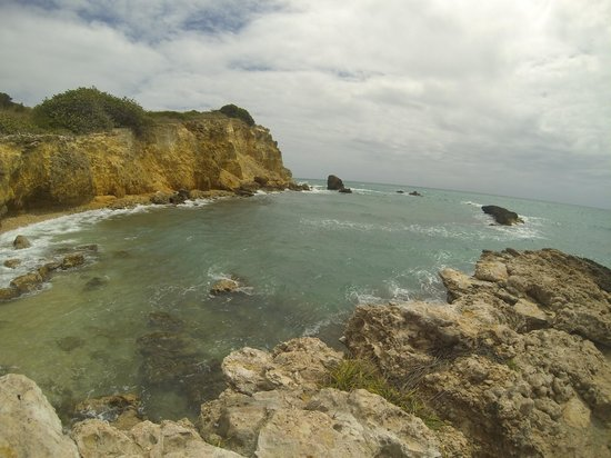 Playa Sucia: Cloudy day, walk out to the point on the peninsula