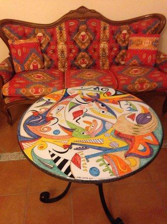 Tavolo in pietra lavica klaus foto di b b vietri centro vietri sul mare tripadvisor - Pietra lavica da tavolo ...