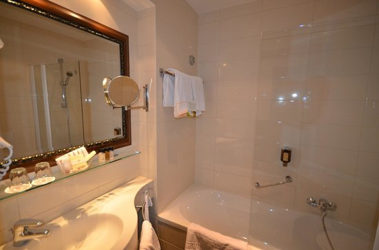 Best Western Premier Kaiserhof Wien: Room 404
