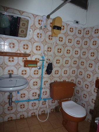 Queen Suriya's Castle: Salle de bain