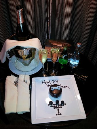 Sofitel New York: Anniversary Surprise in Room