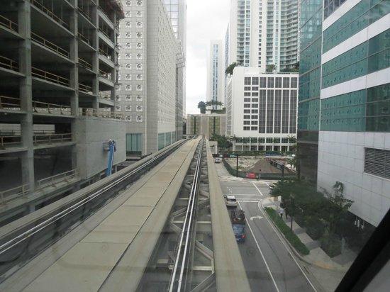 Metromover in movimento