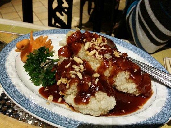 Shanghai Garden: Le poisson frit sauce aigre douce.
